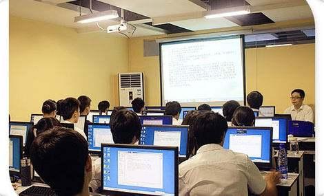 赤峰专科本科学历提升计算机专业介绍:计算机科学与技术专业: