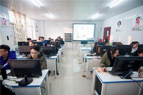 赤峰平面设计学校2020年平面设计趋势: